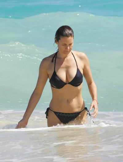 carey lowell bikini 2 perfect007