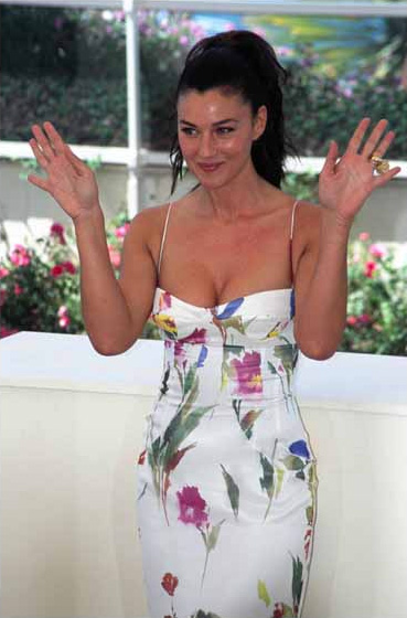 Monica_Bellucci_Cannes_Photo_Call_2002_Rita_Molnár_Wikimedia