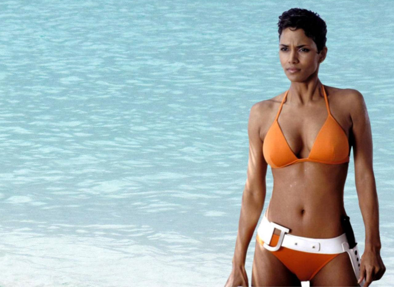 halle-berry-bikini-james-bond-girl
